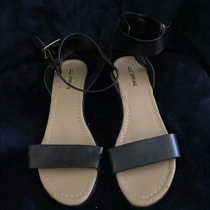 Call It Springs Black Leather Sandal Size 8